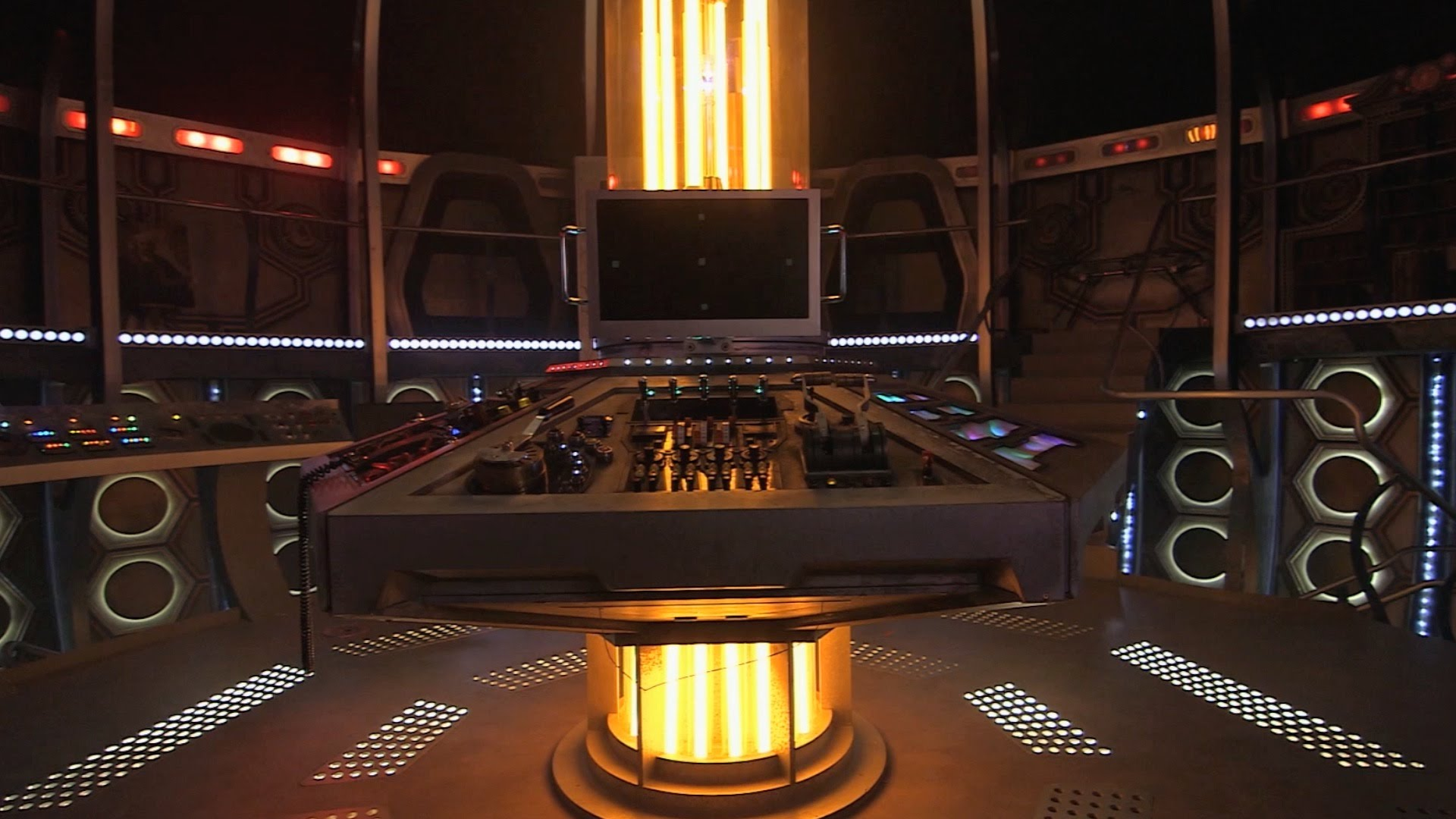 TARDIS Set Tours & More at the Doctor Who Experience This ...